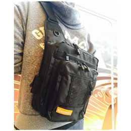 Geecrack Shoulder Bag